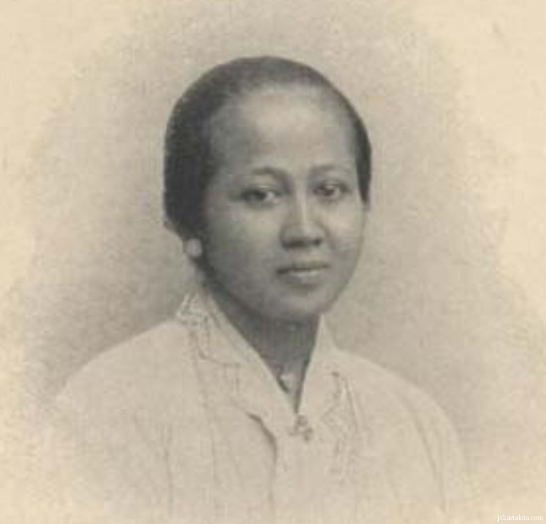http://mitrawacana.or.id/wp-content/uploads/2013/04/RA-Kartini.jpg