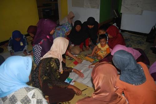 Diskusi komunitas Rengganis untuk pemetaan desa