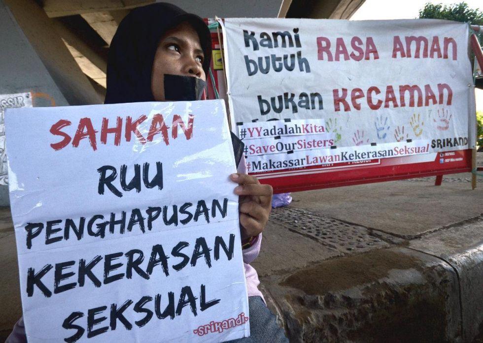 Demonstrasi menuntut disahkan RUU Penghapusan Kekerasan Seksual, ft aws-dist.brta.in