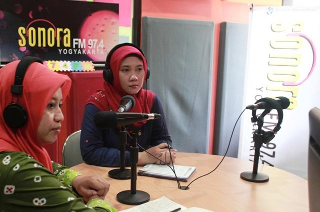 Talkshow Radio Sonora FM. Foto oleh Wahyu T