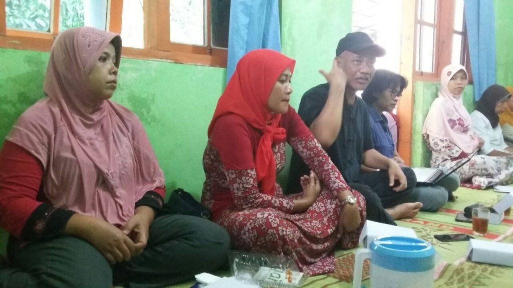 Suasana pertemuan rutin P3A Putri Pertiwi. Foto: Astriani