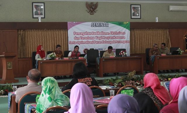 Seminar Pencegahan Radikalisme Ekstremisme dan Terorisme serta optimalisasi peran perempuan. Foto Tnt
