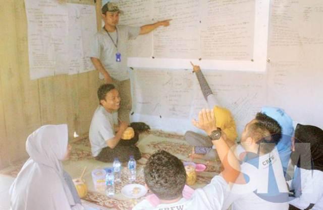 Diskusi tim Jalanews Banjarnegara. Foto: www.suaramerdeka.com