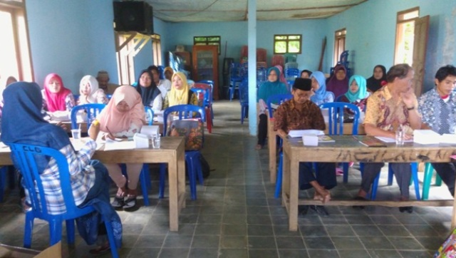 Dokumentasi pertemuan P3A SEJOLI dengan warga