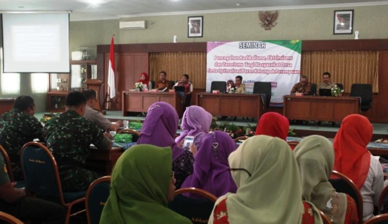 Seminar Pencegahan Radikalisme Ekstremisme dan Terorisme serta optimalisasi peran perempuan 4