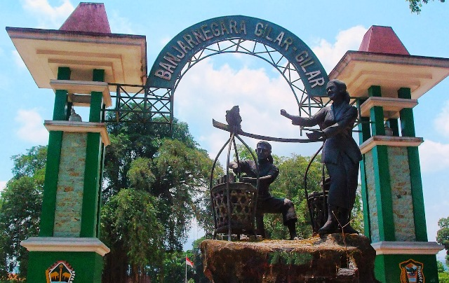 patung dawet ayu alun-alun Banjarnegara
