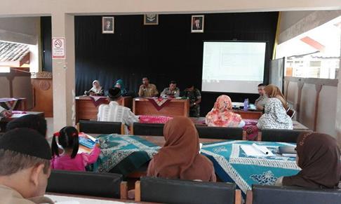 Pertemuan forum perlindungan korban kekerasan ft Erna