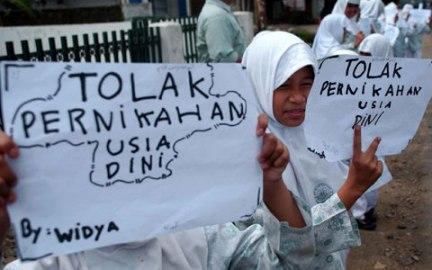 Aksi tolak pernikahan usia dini. Sumber foto: indonesia.ucanews.c