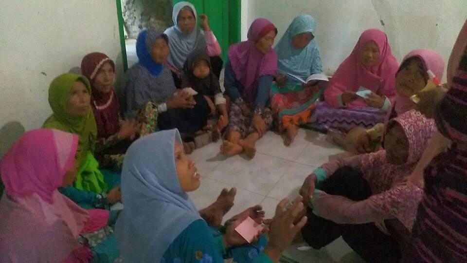 Pertemuan Muslimat Desa Jalatunda Banjarnegara. Foto oleh Ruliyanto
