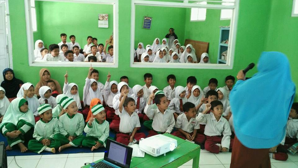 Sosialisasi Pencegahan Kekerasan Seksual di MI AL Islam Desa Karangjati Kecamatan Susukan Kabupaten Banjarnegara. Foto oleh Purwanti
