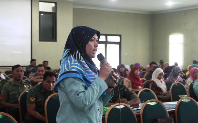 Seminar Pencegahan Radikalisme Ekstremisme dan Terorisme serta optimalisasi peran perempuan. Foto 4 Tnt