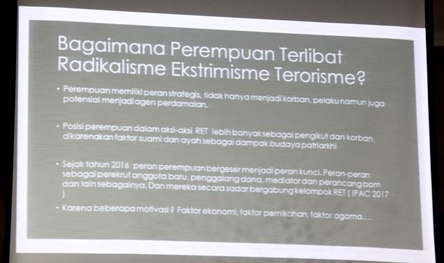Seminar Pencegahan Radikalisme Ekstremisme dan Terorisme serta optimalisasi peran perempuan. Foto 6 Tnt