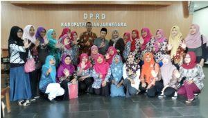 Dokumentasi audiensi P3A dengan DPRD Banjarnegara