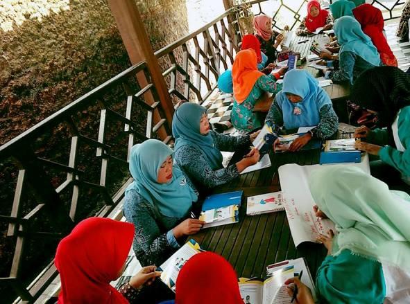 Dokumentasi diskusi buku PKSTA di Banjarnegara